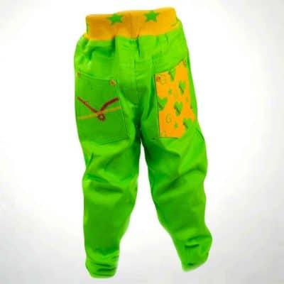 Alege pantaloni pentru baieti ptr un stil chic