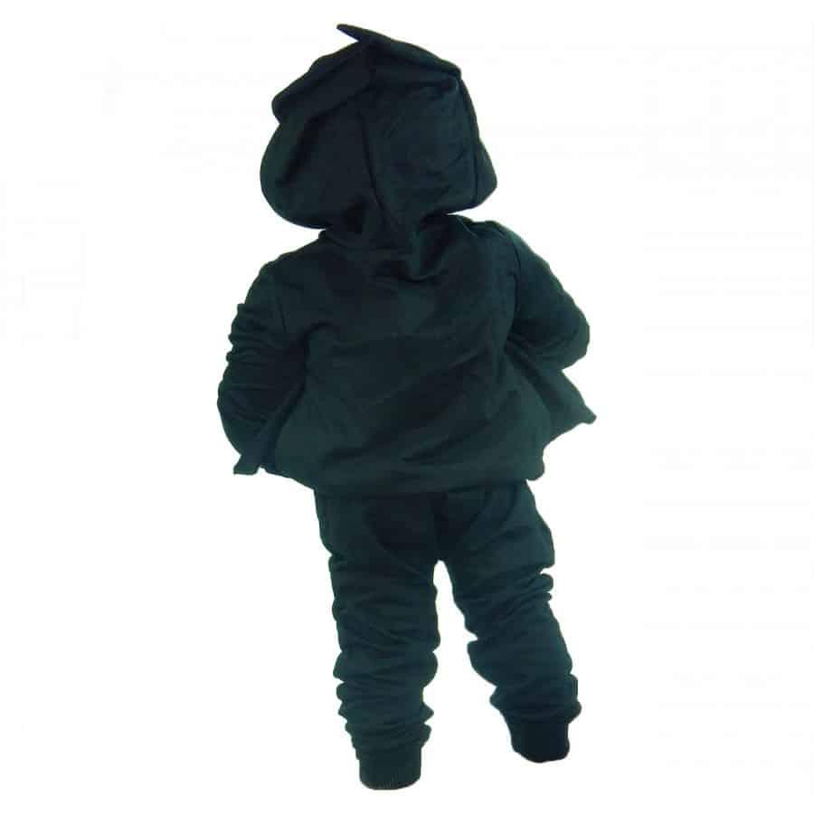 trening negru copii-900×900