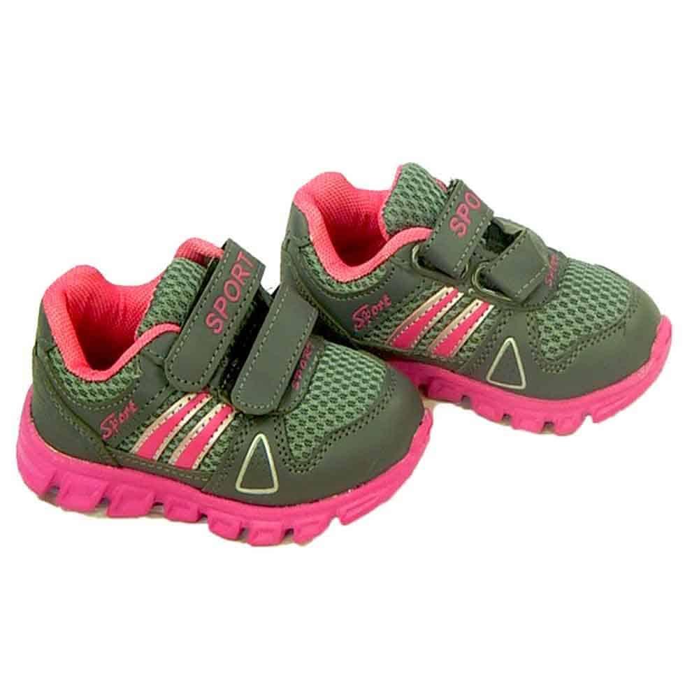 Adidasi pentru fete cu scai