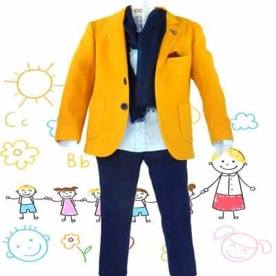Alege costum elegant pentru copii