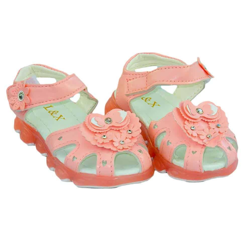 Alege sandale pentru fetite. Incaltaminte fete