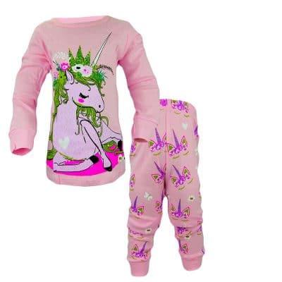 Alege pijamale pentru fete