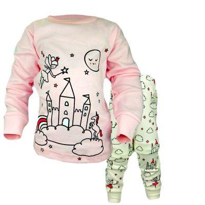 Pijamale pentru fete cu castel